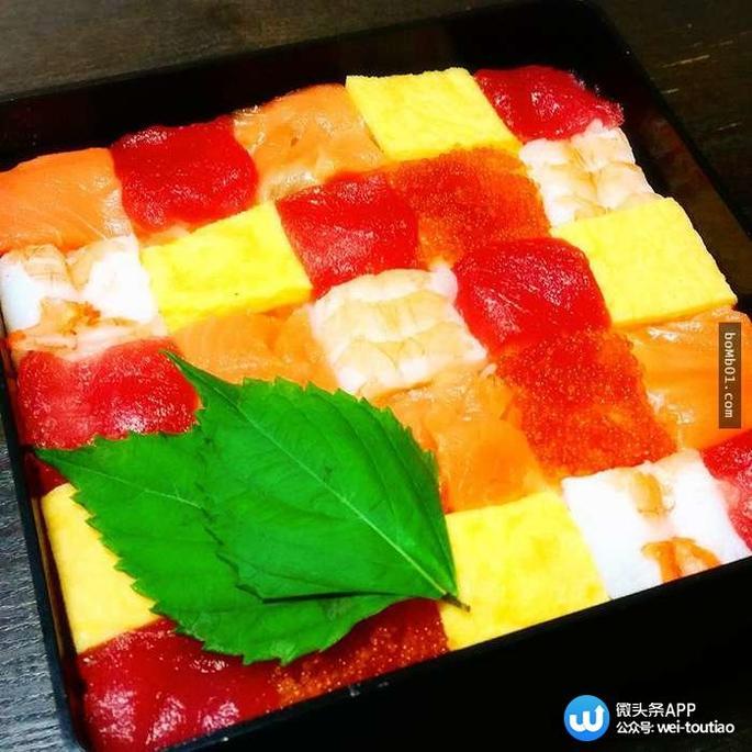 色色色播性吧_他们把寿司做成形形色色的小块,仔细摆放,体现了食材的多样性,还让