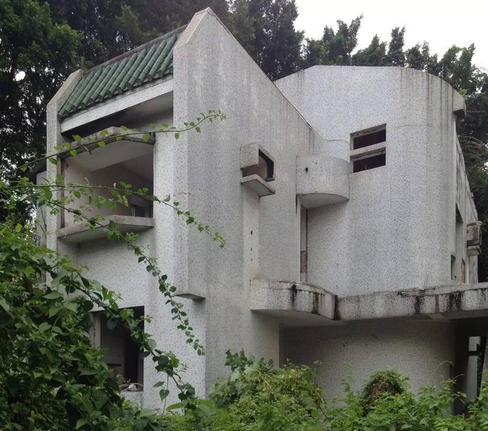 别墅设计 | 深圳东方花园,玫瑰高墙内风景如画